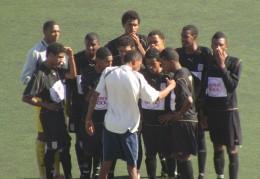 jovens formados no Batuque Fc defende as cores da equipa Sénior