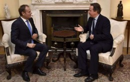 Britain's Prime Minister David Cameron, right, meets with European Council president, Donald Tusk, at his official London residence, 10 Downing Street, ahead of crunch talks to finalise an EU reform package that could be backed by the rest of the 28-country bloc, Sunday Jan. 31, 2016. A deal at the next summit on February 18-19 is seen as vital if Cameron wants to hold a spring referendum on EU membership. (Toby Melville/PA via AP)  UNITED KINGDOM OUT  NO SALES NO ARCHIVE Britain EU